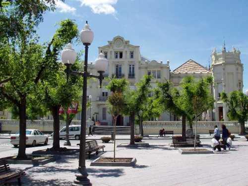 casino_y_plaza_de_navarra.jpg